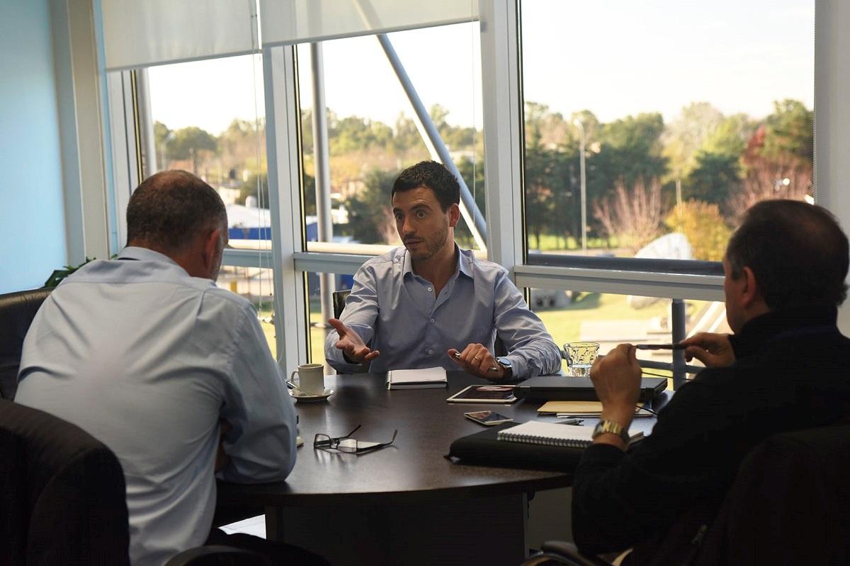 Juan Gnius y Gustavo Martínez, de TyN, en entrevista con De Loredo